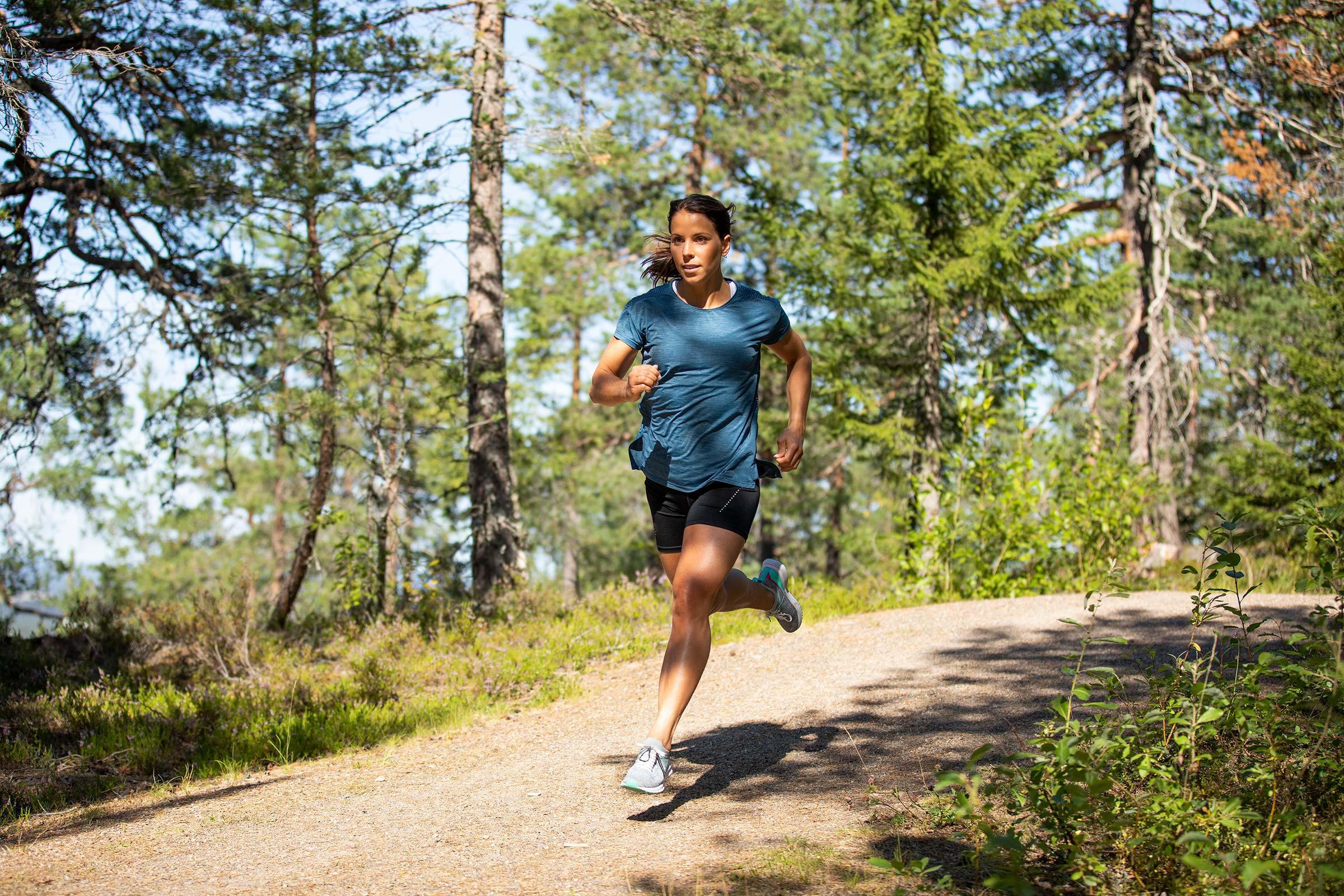 Charlotte Kalla fotograferad på löptur i Sundsvall