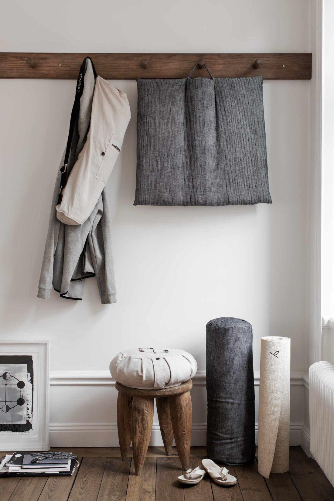 Estetiska och vackra produkter designade av Ann Ringstrand för Yogiraj fotograferade i miljö